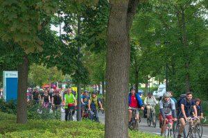 Die Radlgruppe aus Richtung Augsburg trifft in Eichenau ein